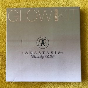 Anastasia BH glow kit palette in 'Sun Dipped'